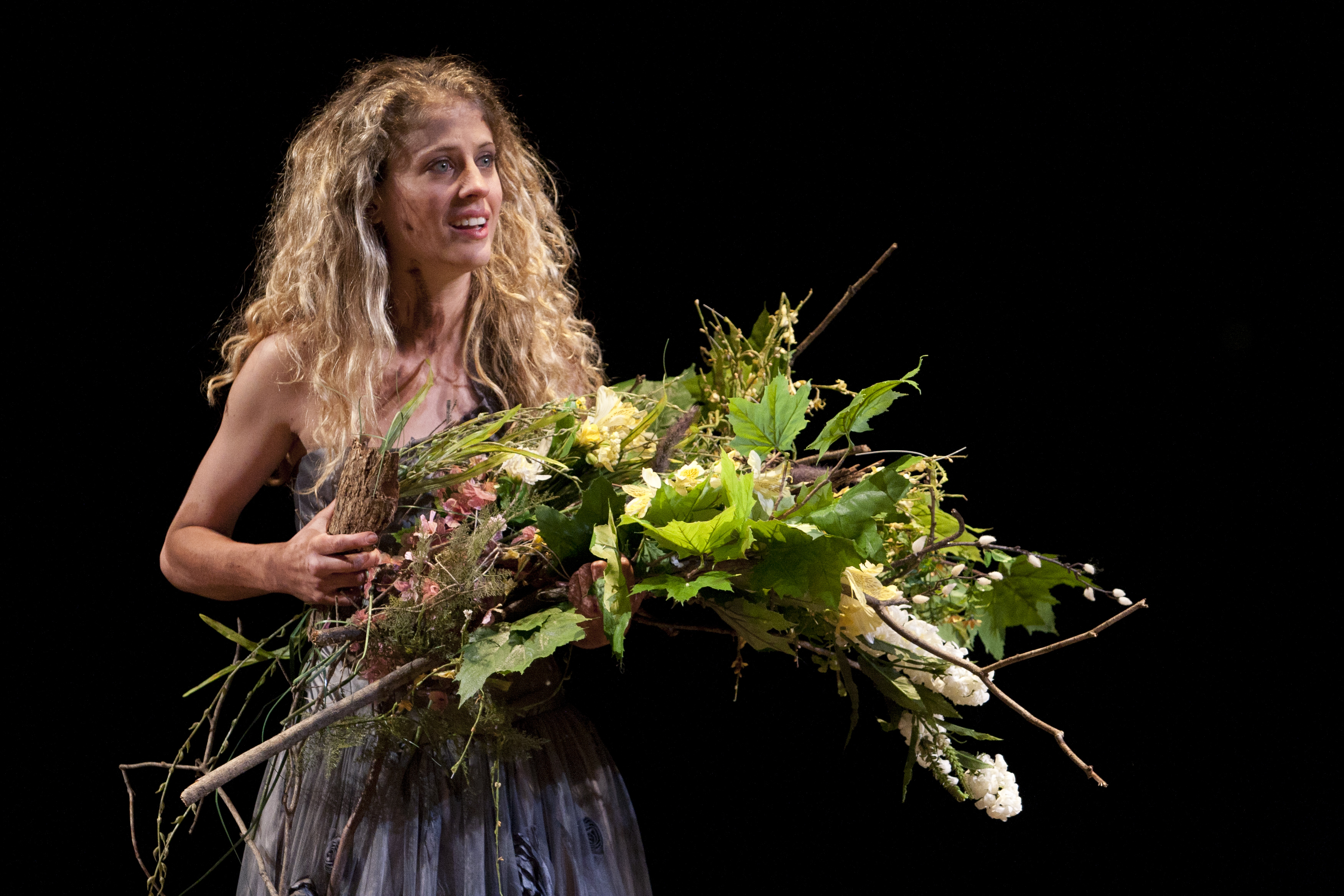 Ophelia Hamlet: Review: A Restrained Hamlet Who Sees Clearly Through The